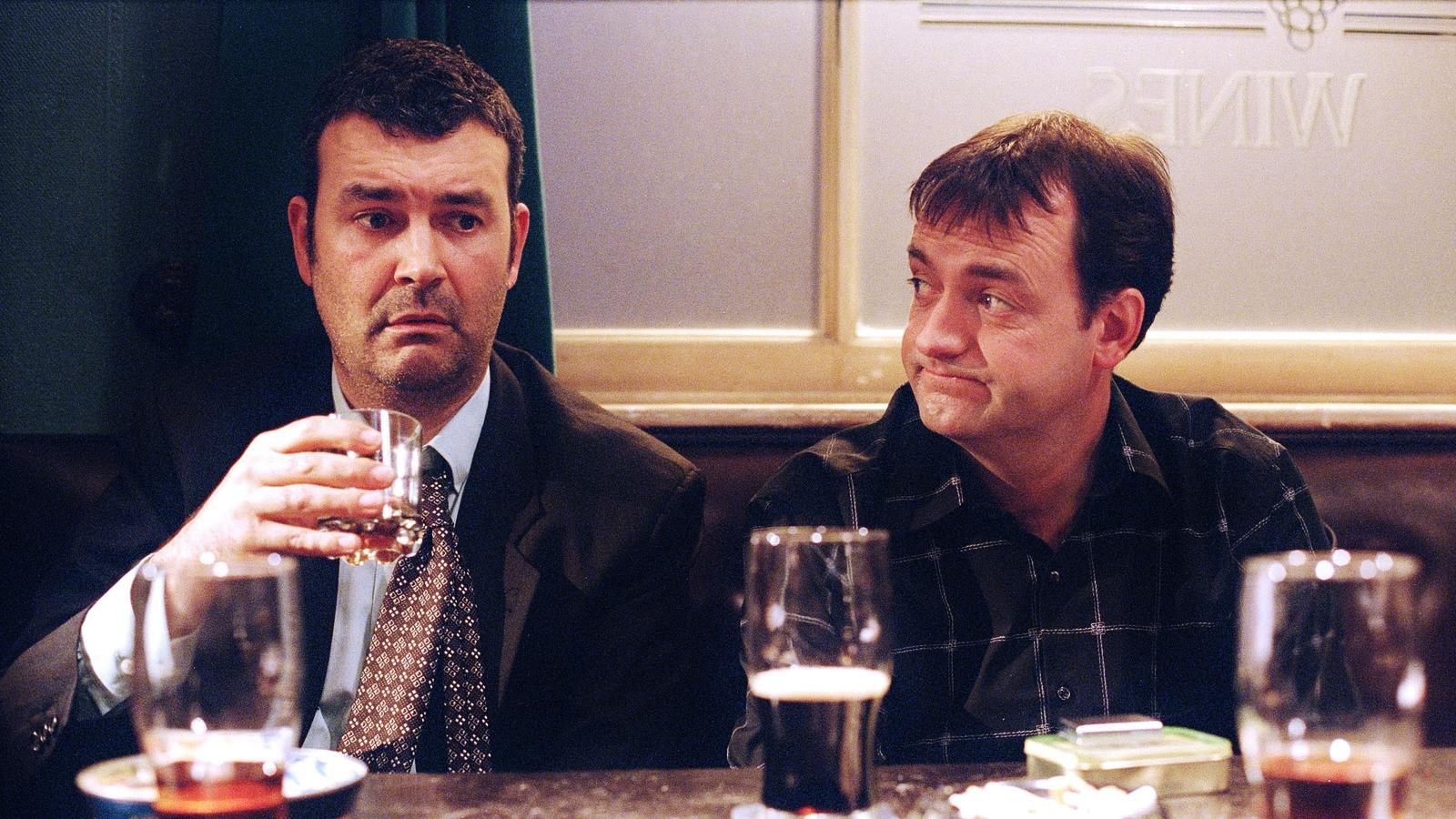 EARLY DOORS_EP4  sc 1 st  John Kell - WordPress.com & Ten underrated British sitcoms: #9 Early Doors | John Kell pezcame.com